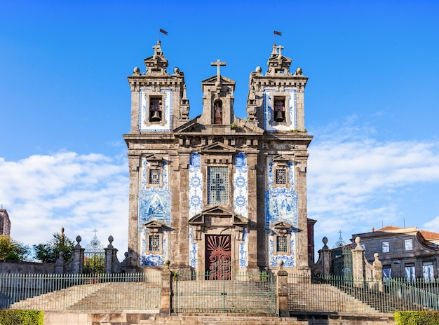 L'église de saint ildefonso (igreja de santo ildefonso) est une église du xviiie siècle à porto, portugal