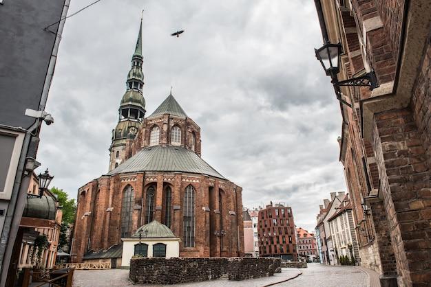 L'église saint-pierre est une église luthérienne de riga, la capitale de la lettonie.