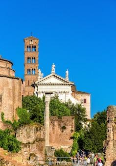 Église santa francesca romana dans le forum romain