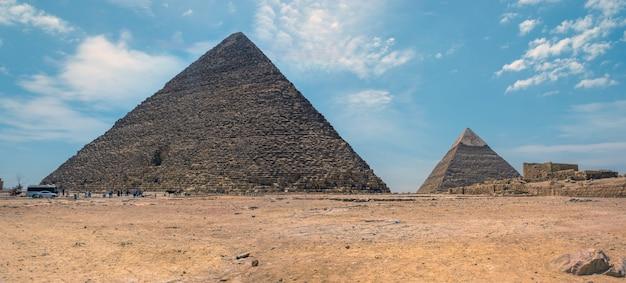 Egypte, le caire - 13 avril 2021 : grandes pyramides de gizeh, site du patrimoine mondial de l'unesco, egypte