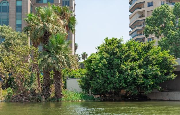 Egypte, vue de la ville du caire du côté du nil