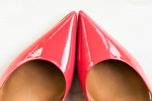 Élégantes chaussures à talons roses ou talons hauts