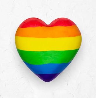 Élément de bricolage en pâte à modeler coeur lgbtq + pride