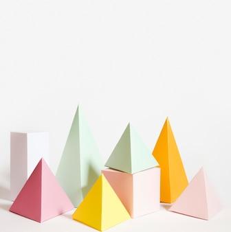 Élément en papier pastel serti de copie-espace