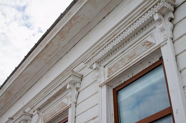 Éléments de décor de maisons de marchand à elabuga, russie