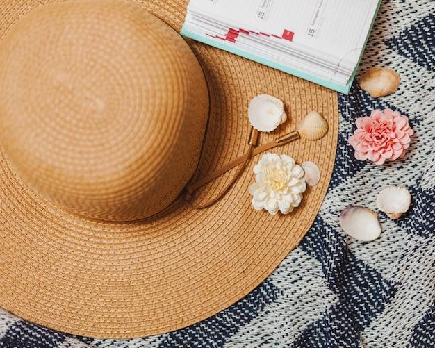 Éléments décoratifs de chapeau et de plage