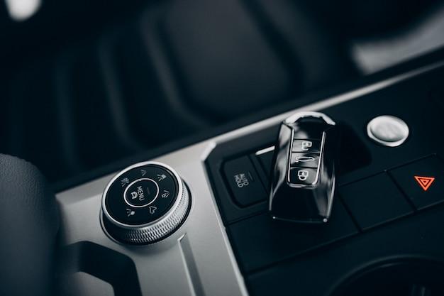 Éléments et détails de la voiture à l'intérieur