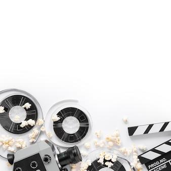 Éléments de film sur fond blanc avec espace de copie