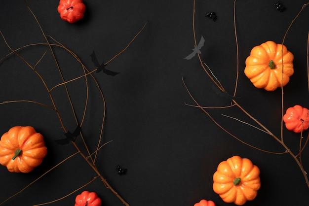 Éléments d'halloween créatifs de composition à plat