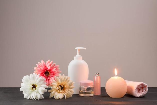 Éléments naturels pour spa avec crème de beauté