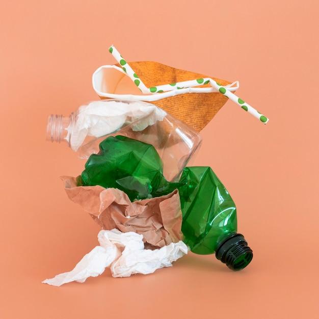 Éléments en plastique non écologiques