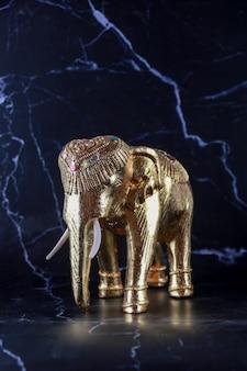Éléphant, sculpture, artisanat fait à la main