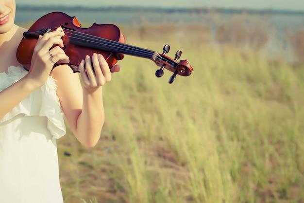 Elle manque de violon de la performance humaine