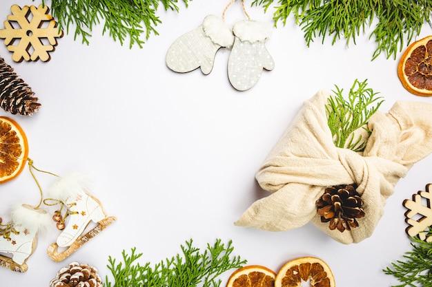 Emballage cadeau zéro déchet emballage cadeau fait main en plastique de style furoshiki japonais traditionnel