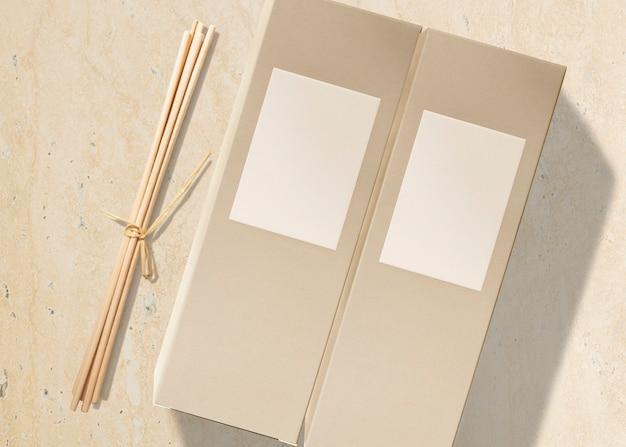 Emballage en carton, produits de beauté sans étiquette