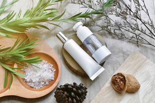 Emballage de conteneurs de bouteilles cosmétiques avec thème saisonnier d'hiver