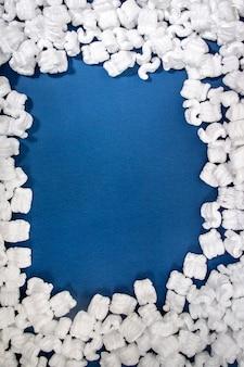 Emballage en polystyrène ou en polystyrène blanc