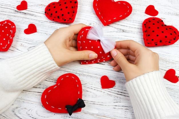 Emballage pour la saint valentin ou la fête des mères avec des coeurs