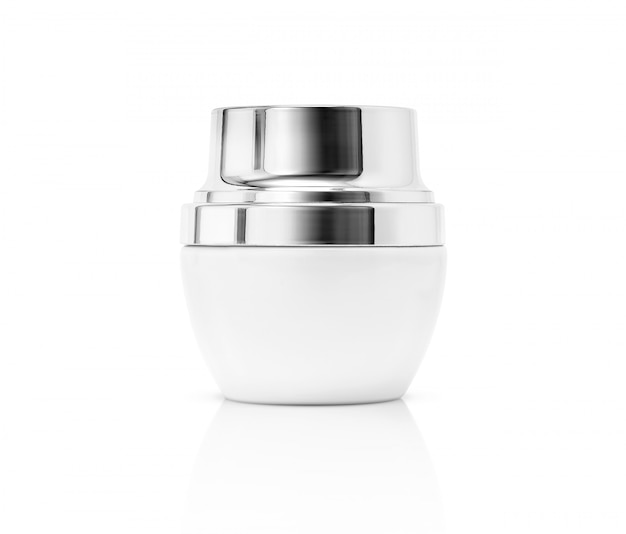 Emballage vide blanc pot de crème cosmétique avec capuchon argent isolé