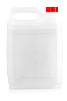 Emballage vide gallon en plastique blanc isolé sur blanc avec un tracé de détourage