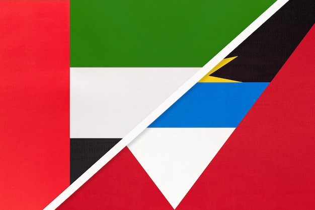 Emirats arabes unis ou eau et antigua-et-barbuda, symbole de deux drapeaux nationaux du textile.