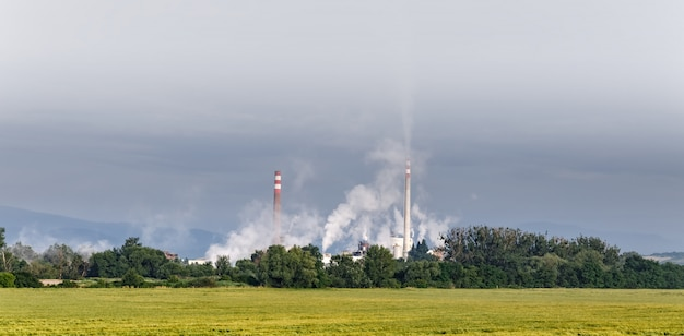 Émissions de tuyaux dans l'atmosphère