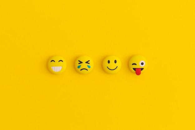 Émoticônes sur fond jaune