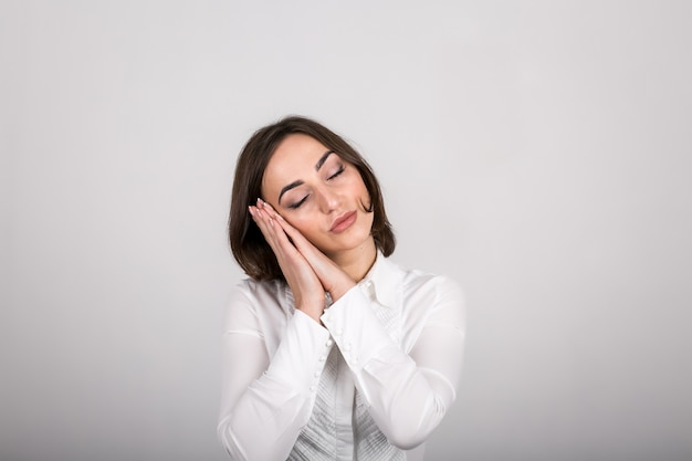 Émotions de la femme en studio