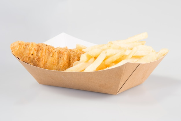 A emporter ou sortir des ailes de poulet barbecue pour le style food truck