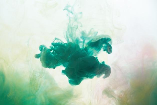 Encre dans l'eau abstrait