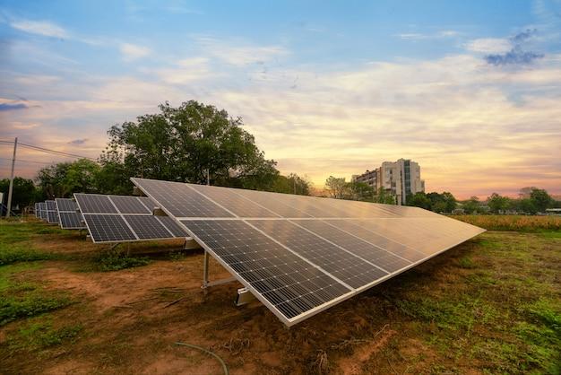 Énergie solaire générée dans une ferme