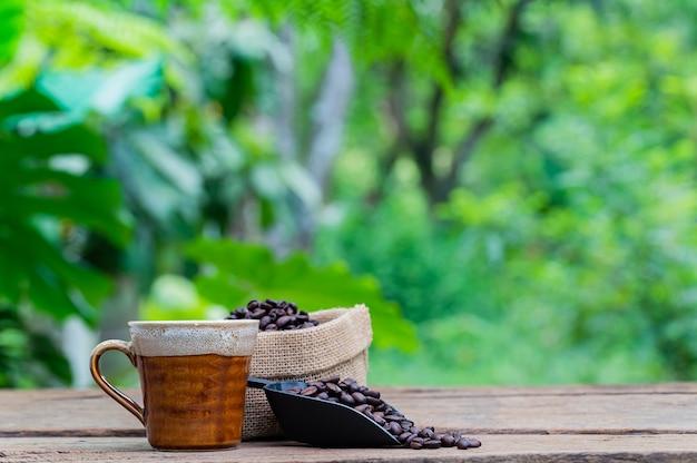 Énergie de tasse de café de grains de café