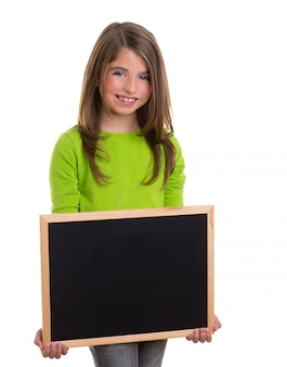 Enfant fille avec cadre blanc copie espace noir tableau noir