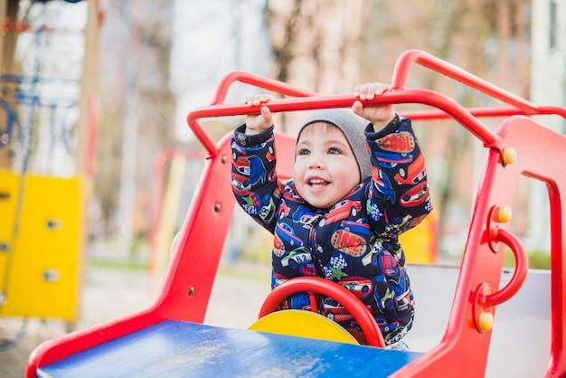 Enfant, jouer, dehors, cour de récréation