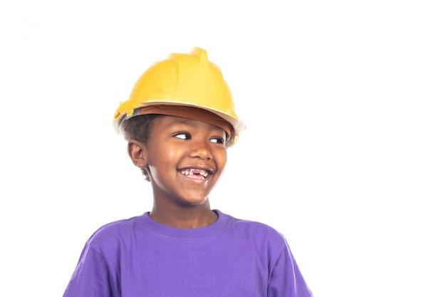 Enfant mignon avec casque jaune