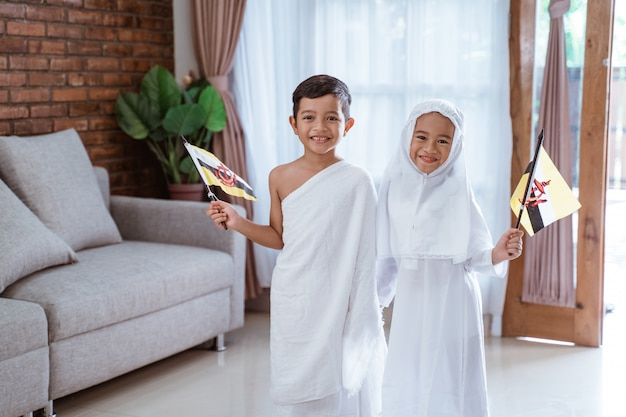 Enfant, porter, musulman, ihram, vêtements, et, robe
