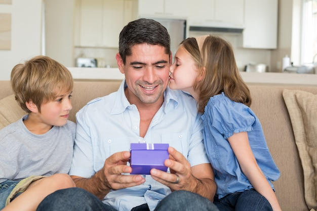 Enfants aimants don père