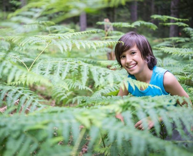 Enfants bienvenus dans la forêt