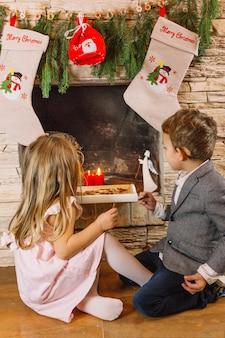 Enfants à la cheminée