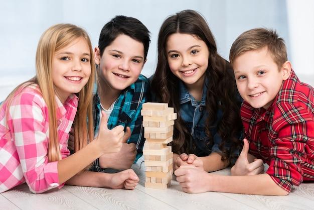 Enfants, jouer, jenga