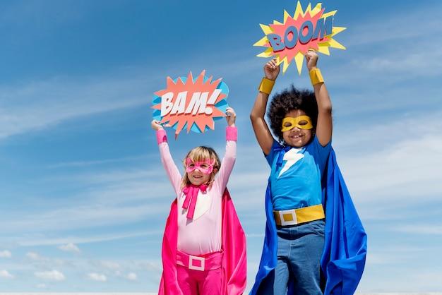 Enfants super héros concept de l'enfance