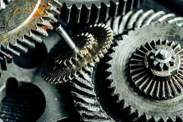 Engrenages d'une ancienne machine industrielle