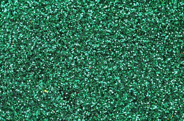 Une énorme quantité de paillettes décoratives vertes