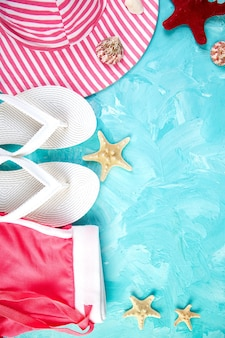 Ensemble d'accessoires pour femme saison d'été.