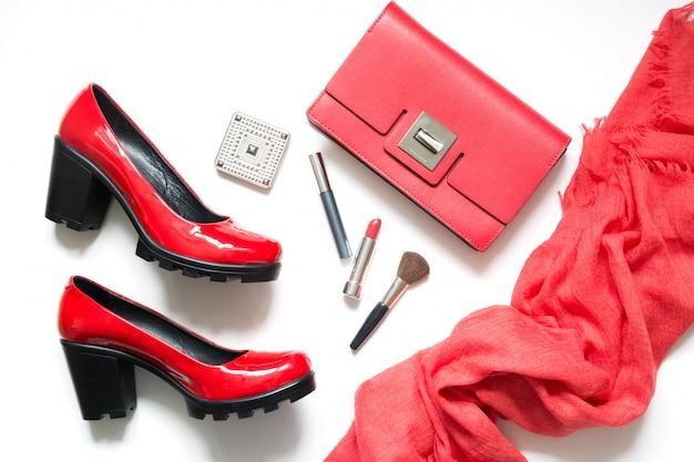 Ensemble d'accessoires pour femmes rouges pour date spéciale