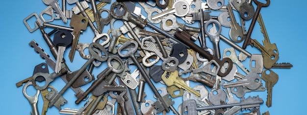 Ensemble d'anciennes clés