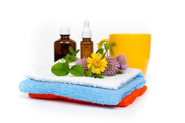 Ensemble d'aromathérapie et de massage - huiles à base de plantes et boisson chaude