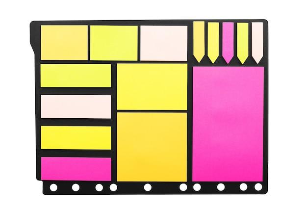 Ensemble d'autocollants en papier coloré de différentes formes avec des coins recourbés isolés