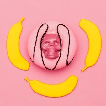 Ensemble de bonbons sucrés. art plat. donut de mode et banane.