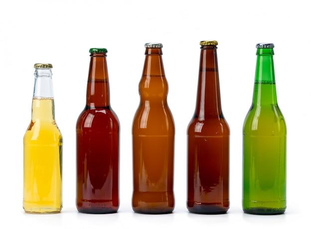 Ensemble de bouteilles de bière isolées